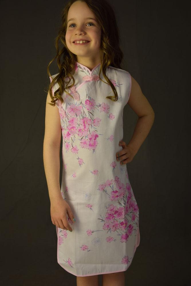 ea199e0e70cc Kinesisk kjole - Hvid lyserød -