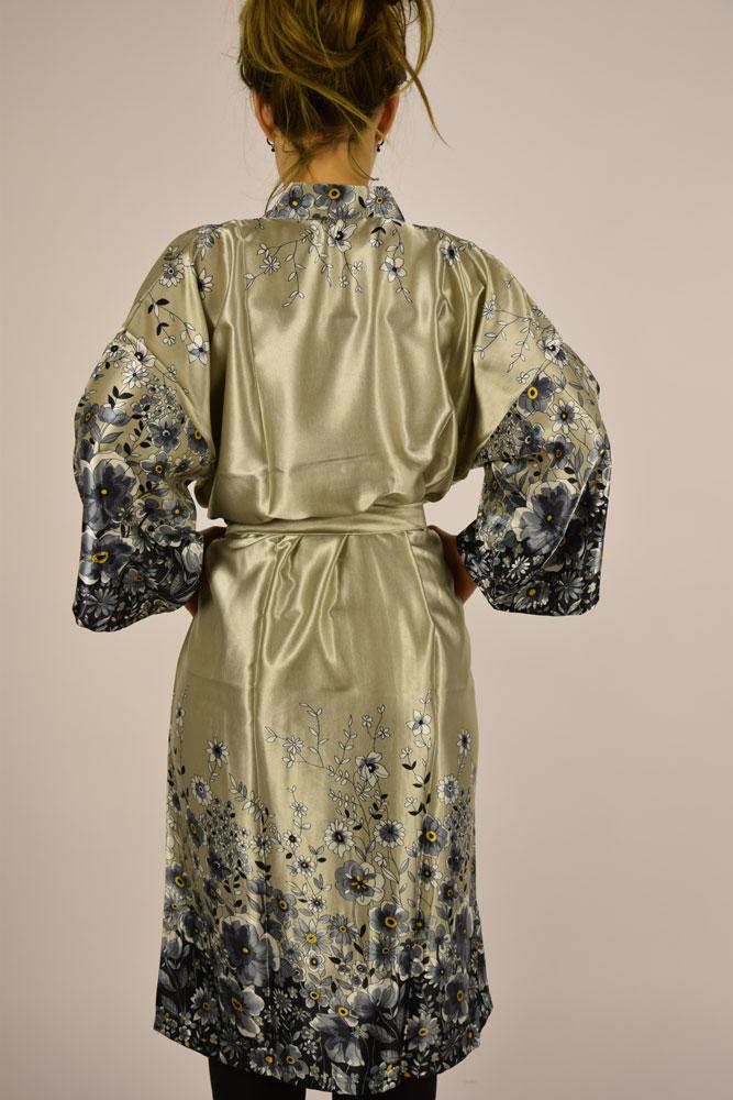 b7464ab13600 Kimono - Sølv med blomster -